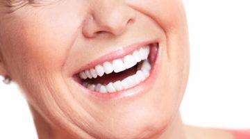 Le Dr Compagnone propose le service implant dentaire Lyon